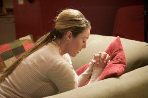 woman-praying-268581-wallpaper-2